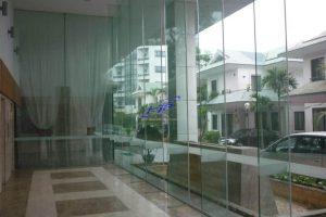 Tư vấn thi công vách ngăn kính với giá tốt nhất tại TPHCM